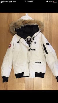 Canada goose jacket women's xs  Waterloo, N2L