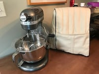 two stainless steel cooking pots Hamilton, 20158