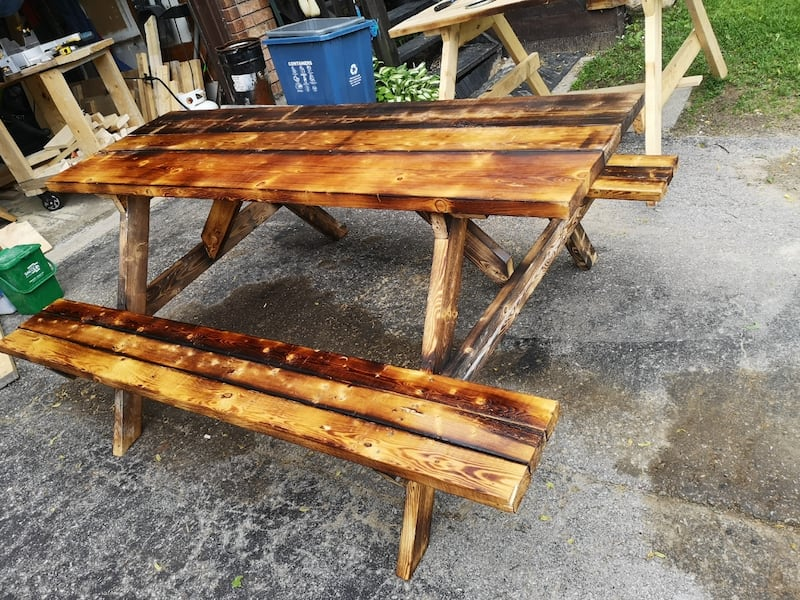 Picnic tables 9