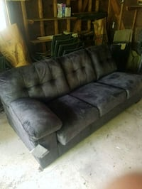 Couch horse loveseat brand new Detroit, 48207
