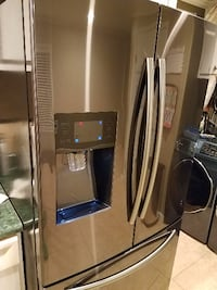 Door (only) for Samsung Stainless Refrigerator Cary