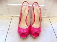 Guess- very elegant pink shoes Size 7.5 in excellent condition Hamilton, L8V 4K6