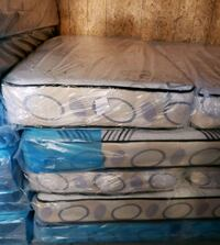white and blue floral mattress Tampa, 33612
