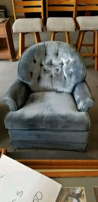 gray suede tufted sofa chair Nampa, 83686