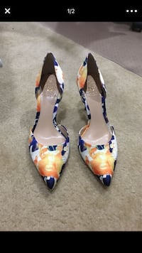 pair of blue-and-orange pointed toe pumps Alexandria, 22315