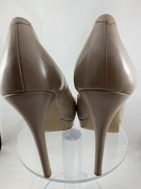 Jessica Simpson Heels. Light brown. Patent leather. Size 10. 4-inches Silver Spring, 20902