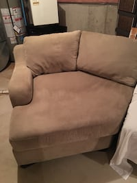 Sectional Couch With Chaise Lounge/Cuddle Corner Burlington, L7M 4X2
