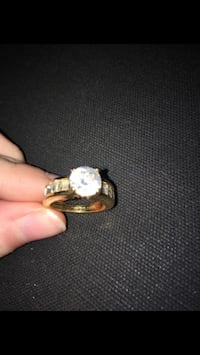 18K diamond gold ring  Newport News, 23606