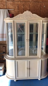 brown wooden framed glass display cabinet Winnipeg, R3X