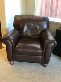 Leatherette arm chair Roseville, 95747