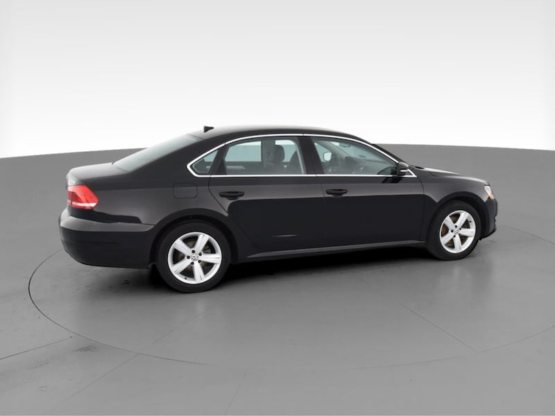 2013 VW Volkswagen Passat sedan TDI SE Sedan 4D Black  11