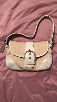White and beige coach leather shoulder bag Suffield, 06093