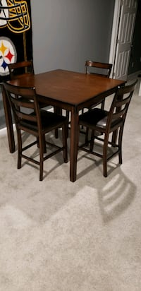 Counter height table w/ 4 Chairs Woodbridge, 22193