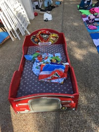 Toddler bed with mattress and linens Virginia Beach, 23456