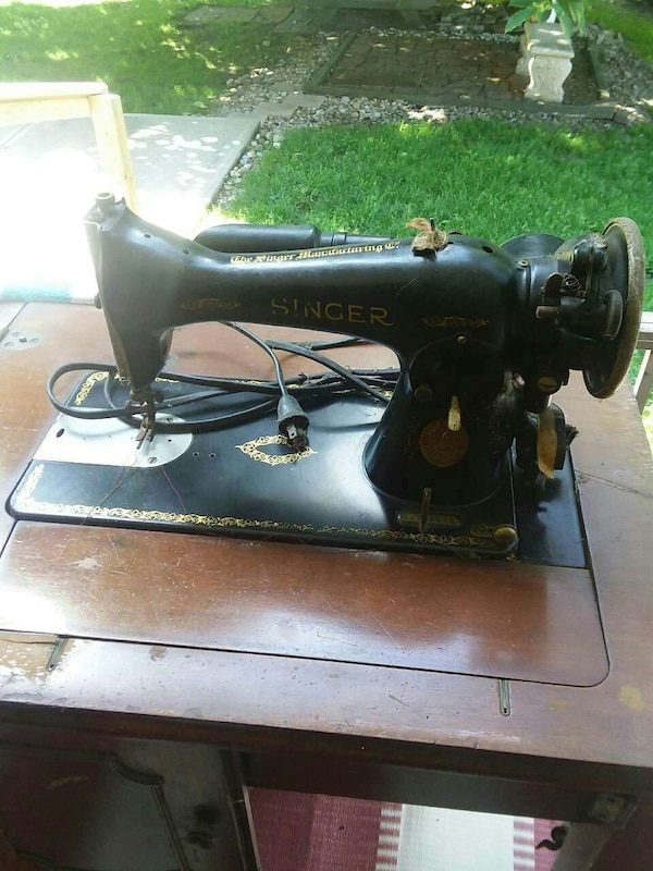 Used 40 VINTAGE Singer Electric Sewing Machine For Sale In Baden Classy Vintage Singer Sewing Machine For Sale