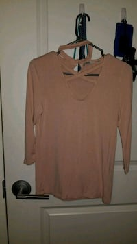 Pink top from forever 21 London, N5V 3N9