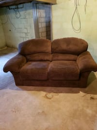 Loveseat Saginaw, 48602