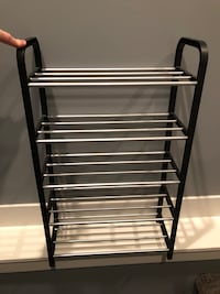 Shoe rack . Holds 10 pairs of shoes Nanaimo, V9T 2N6