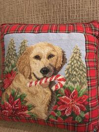 Labrador Christmas Pillow  Johnson City, 37604