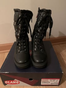 Olang boots size 40 (9 us) woman