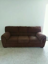 3 seater couch Houston, 77014