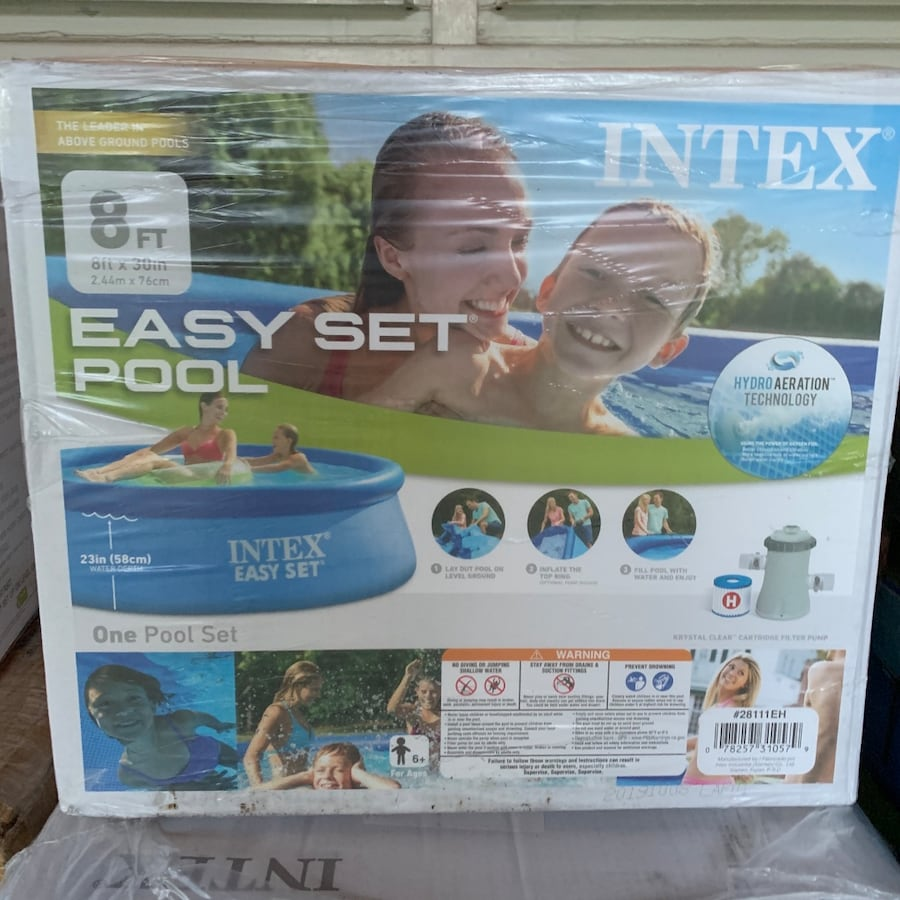 SALE Summer Pool!! Negotiable Above Ground/Inflatable Pools 77c39d31-f012-4029-9ff9-d703c249c9f8