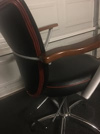 black and red rolling armchair Arlington, 76012