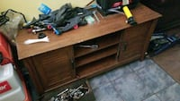 TV stand  New Orleans, 70129