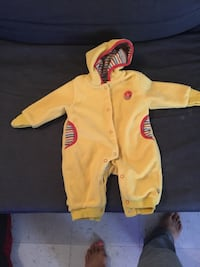 toddler's yellow and black footie pajama Montréal, H3J 2Z9