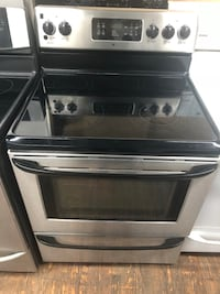Black and silver elctrical stove Allentown, 18102