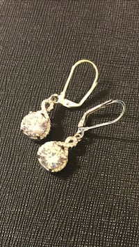 Swarovski elements earrings. If you like bling and sparkles, this is for you!