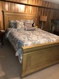 Queen Bed Set Chantilly, 20151
