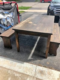 Pine Harvest Table and 2 Benches TORONTO