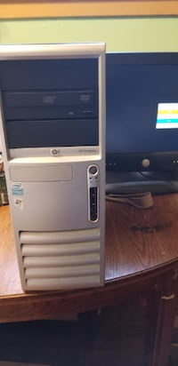 "Refurbished HP Compaq PC Windows 7 Enterprise. Needs keyboard & mouse. Comes with 17"" monitor. You pick up I'll setup. Wilmington"