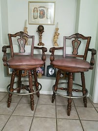 Wood and leather set 2 bar stools. El Paso, 79912