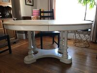 Dining table Hamilton, L8L 1X7