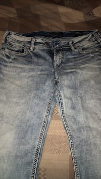 blue-washed denim jeans Langley, V3A 3T9