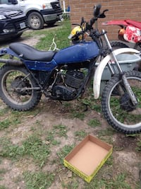 blue and black motocross dirt bike
