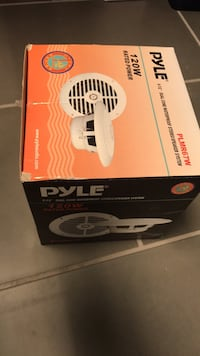Waterproof 6-1/2 speakers (2) Chantilly, 20151