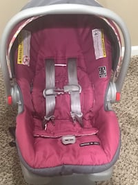 Graco Pink click connect infant safety seat 289 mi