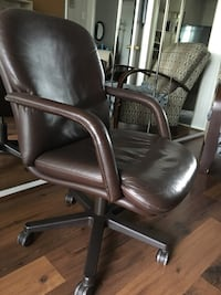 brown leather office rolling armchair Richmond Hill, L4C 9R6