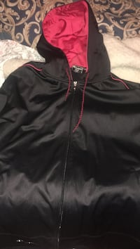 Black and red zip-up pull-over hoodie Toronto, M1L 3E3