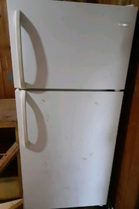 Lrg fridge / freezer