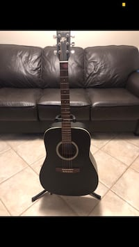 Art&Lutherie Acoustic Guitar with Case Coquitlam, V3J 6R1