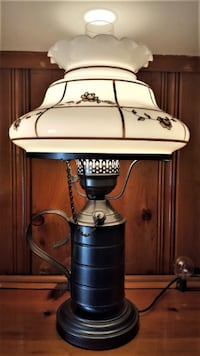 EARLY AMERICAN STYLE LAMP - 3 WAY BULB - BEAUTIFUL AND NEW CONDITION - 21 INCH TALL Pasadena