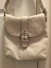 White COACH purse  Port Coquitlam, V3C