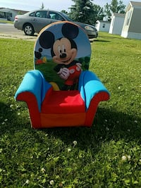 toddler's blue and red Minnie Mouse chair Grand Blanc, 48439
