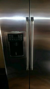 STAINLESS STEEL STOVE & REFRIGERATOR Moore, 29369