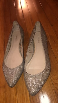 Pair of gold sparkle flats Edison, 08837