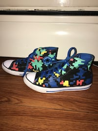 Unisex rare gamer pixel converse men's 6 women's 8  South Bend, 46614